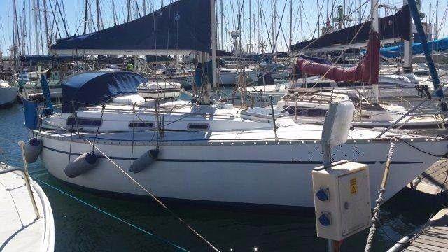 Good Deal! 32 ft Sadler for sale R230k not neg - Call Ange` @ International Yachts 082 883 0799