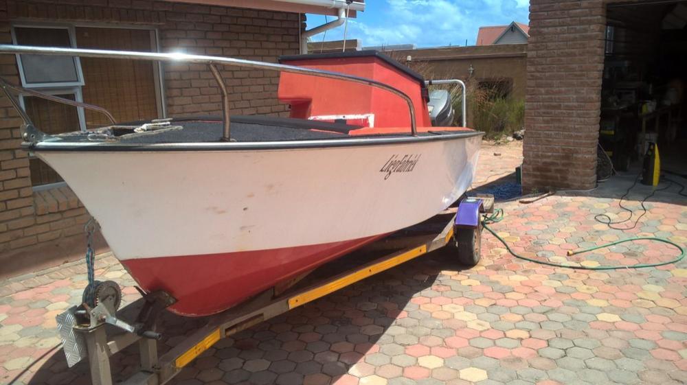 Deep Sea Bay Boat
