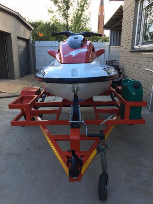 Yamaha 1200 Waverunner jetski for sale