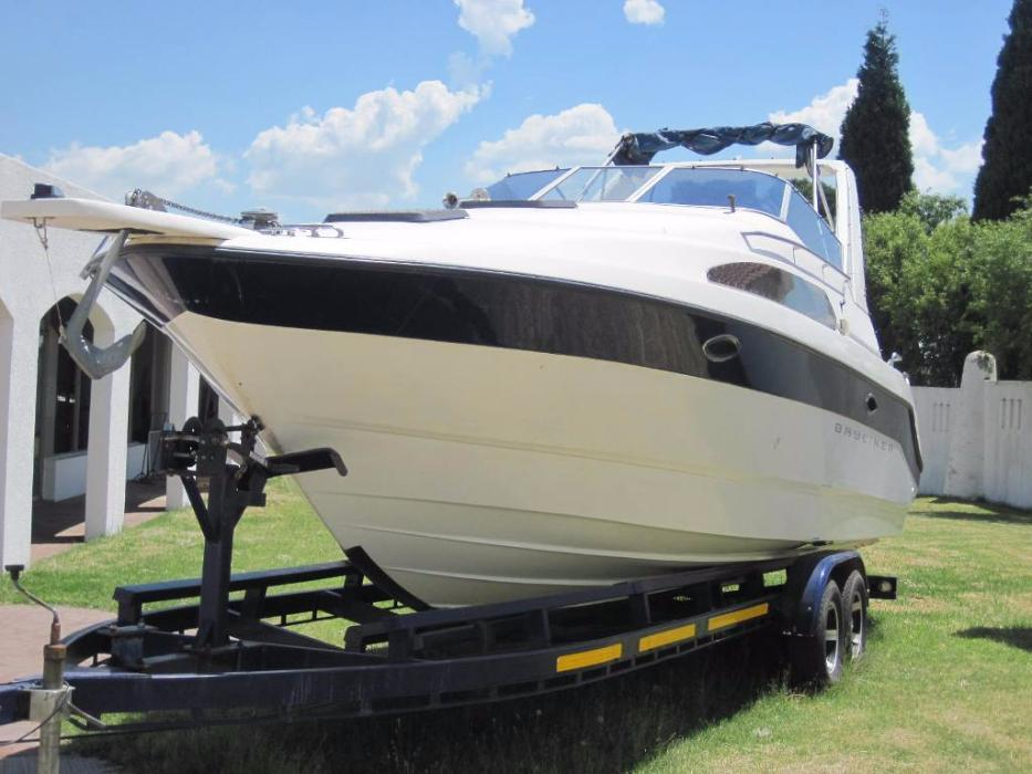 1990 Bayliner 2265 with 5.0L V8