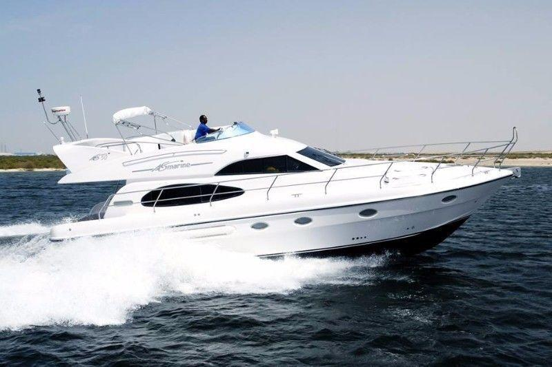 An amazing opportunity to own a very luxury 50 ft Yacht With A Very Special Price