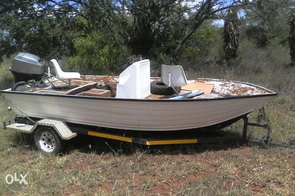 Aluminium boat with a 30hp mariner engine