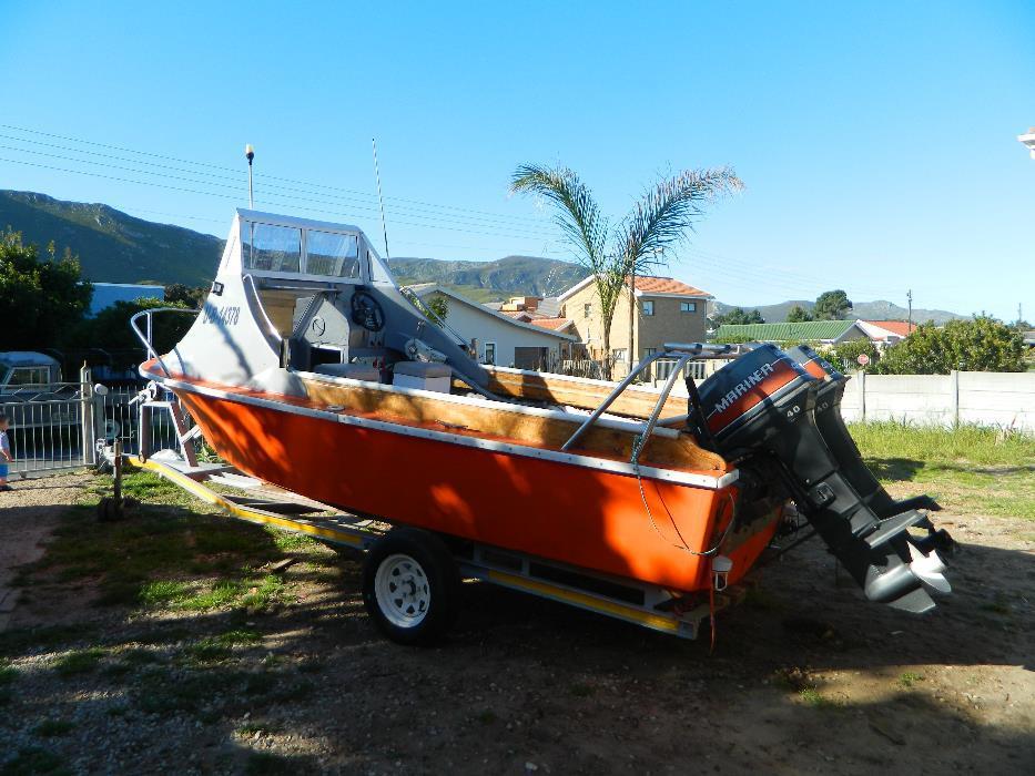 Deep sea boat