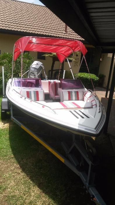 Tobago Carreira 17 with 115 Mariner, must be seen like brand new boat