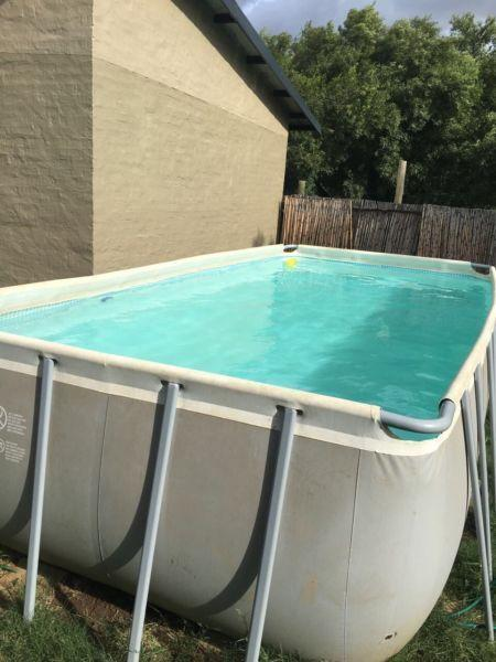 Above ground Large INTEX pool