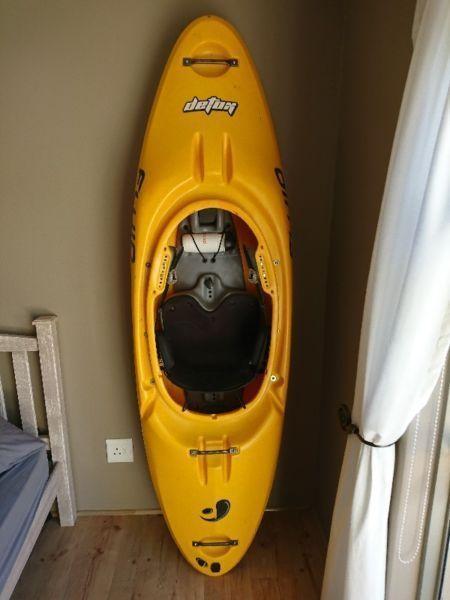 Fuild detox white water kayak