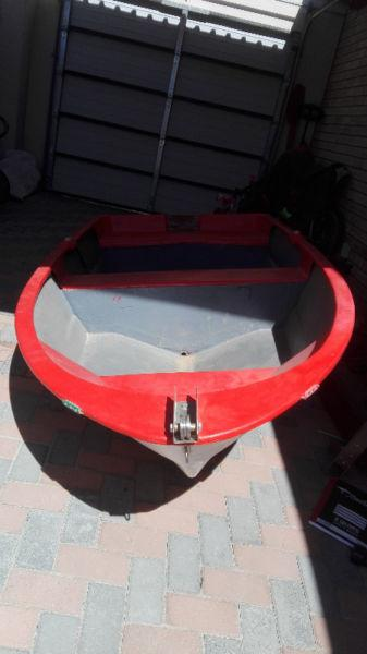mariner 3.3hp & fibreglass dinghy