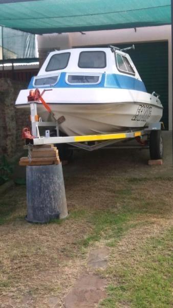 Sportsman Cabin Boat