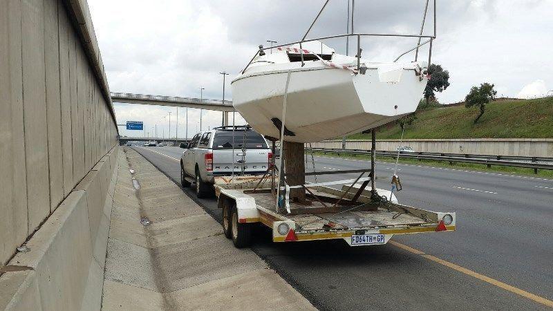 Mistral/Debonair yacht hull