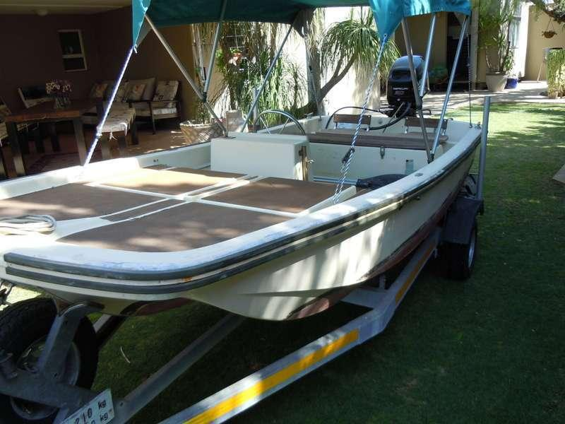 Imported Dell Quay Dory with Mercury 30 HP
