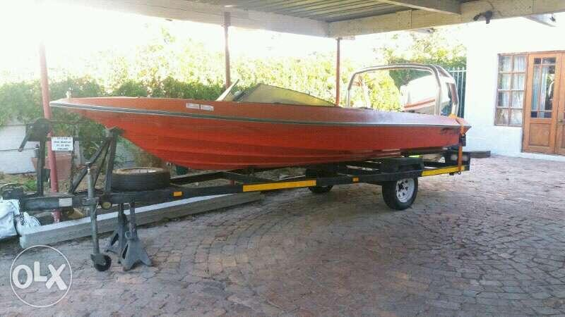 Suzuki DT 85hp trim and tilt speed boat