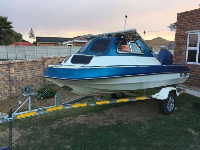 Cabin Boat Sportsman