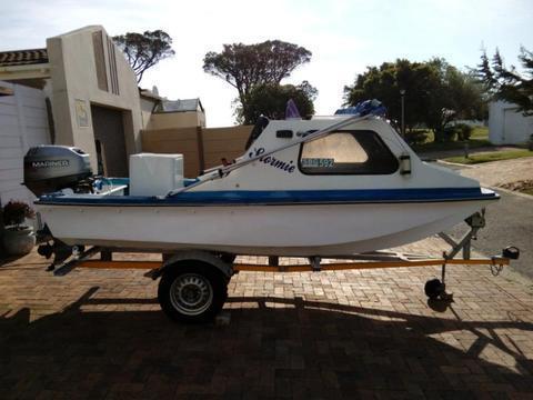 4.2m Sportsman Cabin boat