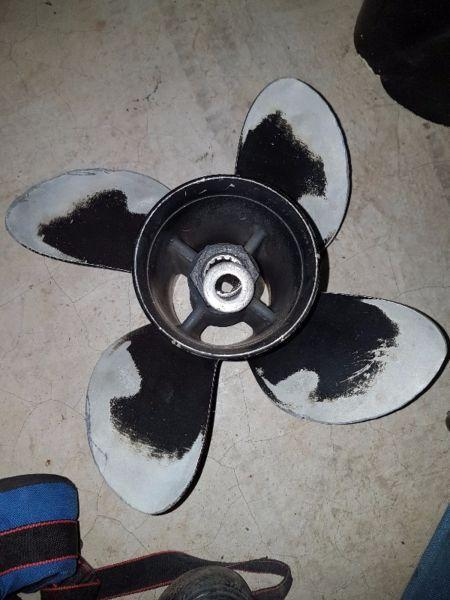 Propellers, ski's and wheels for sale
