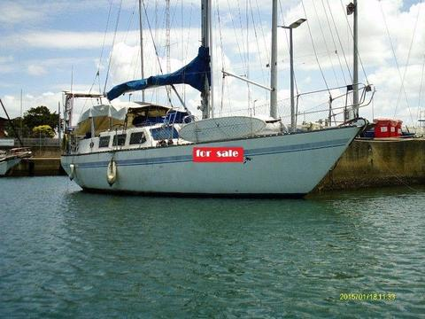 45ft Roberts Charter cruising yacht NOW REDUCED () R350,000
