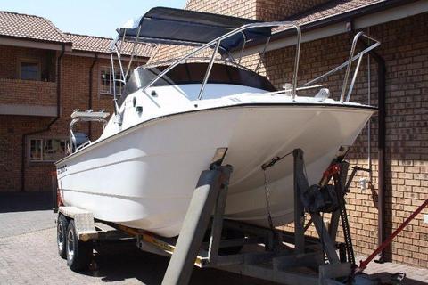 Aqua Cat MKII - Ski Boat