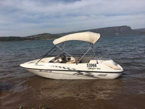 Incredible Jet boat - Sugar Sand 4 + 2 Tango 175 Mercury