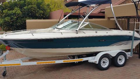 Sea Ray 210 Signature Series Bowrider