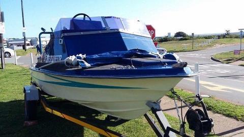 Mono Hull Motorboat