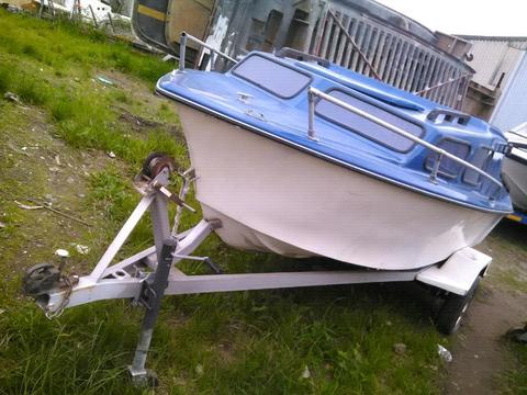 Cabin boat for sale.75hp motor