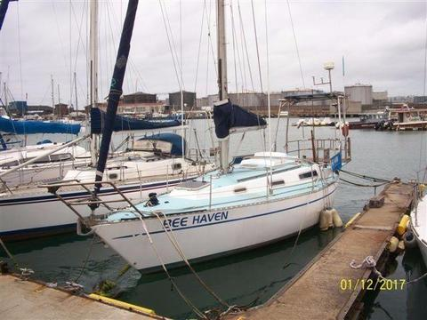 Comfortable 32ft yacht for sale