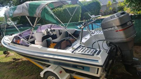 Scimitar speed boat 125HP motor BARGAIN