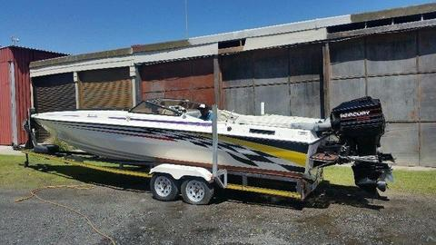 28 FOOT TELSTAR FOR SALE R250000