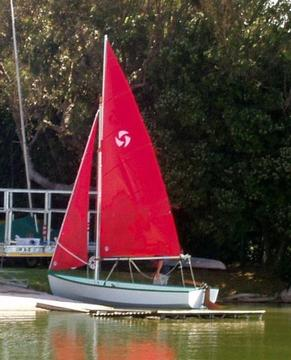"15' SAILING DINGHY ""SWIFT"""