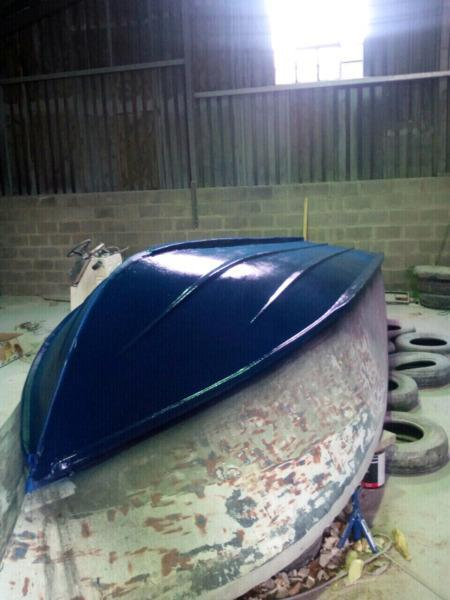 OUTBOARDS AND BOAT REPAIRS/RESPRAY
