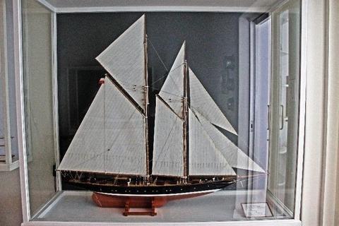 Model Sailing Yachts