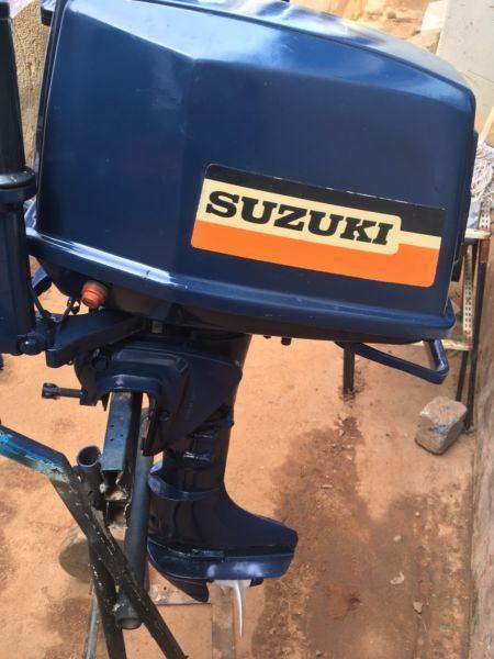 Selling used 9.9hp Suzuki outboard motor