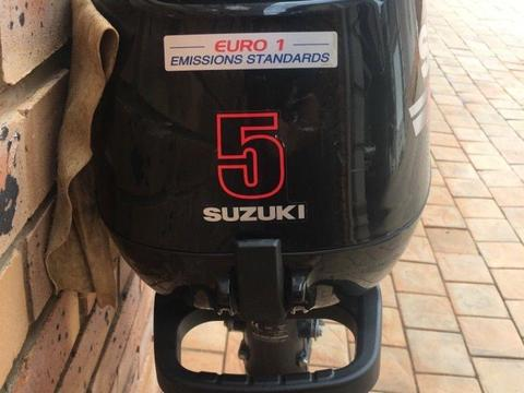 Suzuki 5hp outboard four stroke motor
