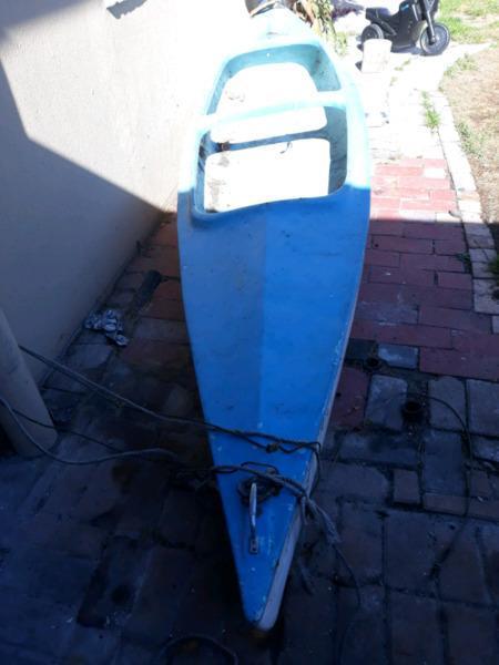 Canoe / pedal boat