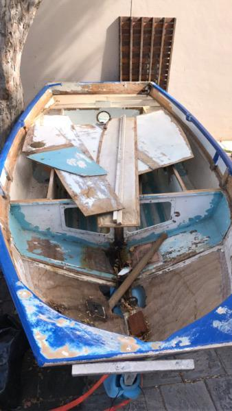Mirror Dinghy - hull & dolly