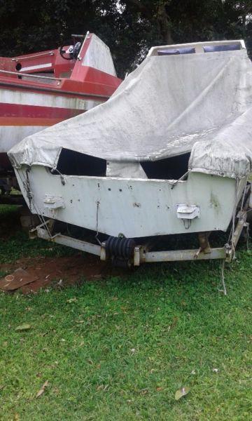 1x boat,1neckbreakers trailers