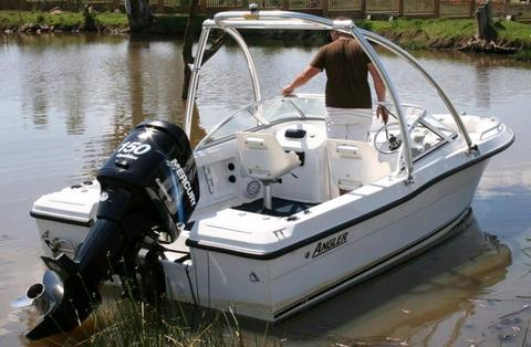 Angler with a 150 optimax