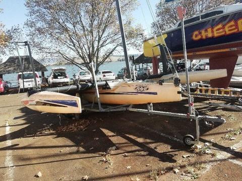 WindriderRave Sailing Hydrofoil Trimaran