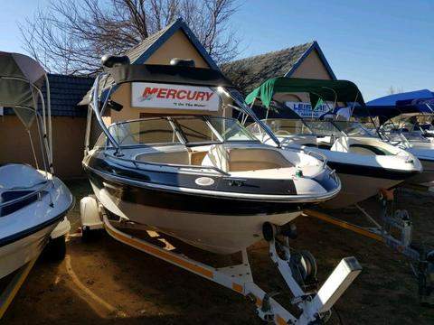 Searay with 5.7L Mercruiser