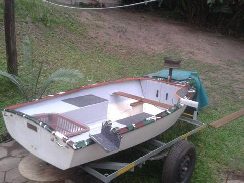 small bass boat / dinghy / bay with 5HP 4 Stroke motor