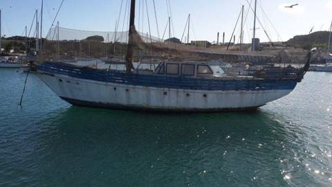 CHEAP! CHEAP! CHEAP! R90K - 45 FT ROBERTS WORKING BOAT. CALL ANJE` 082 883 0799