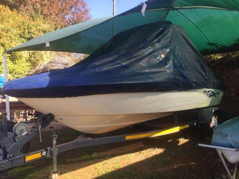 SEARAY 195 inboard boat