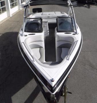 Supra 22v Boat