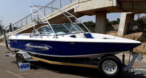 2006 Moomba Outback V with Indmar Assult 325hp 5.7L V8 MPI