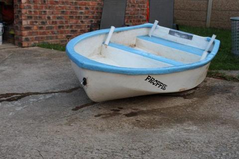 2.8m dinghy boat