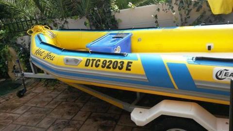 Semi rigid inflatable