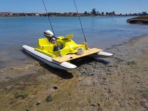 Converted paddle boat with 5 hp 4stroke motor in excellent condition on licensed trailor. Urgent