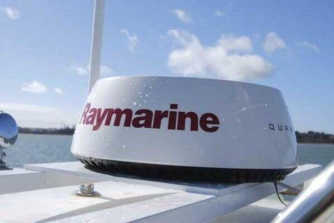 "Raymarine Q24C Quantum Radar 18"" Wireless"
