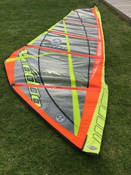 Windsurfer sail North Sails 4.2